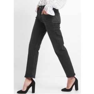 GAP Black High Rise Cropped Straight Jeans